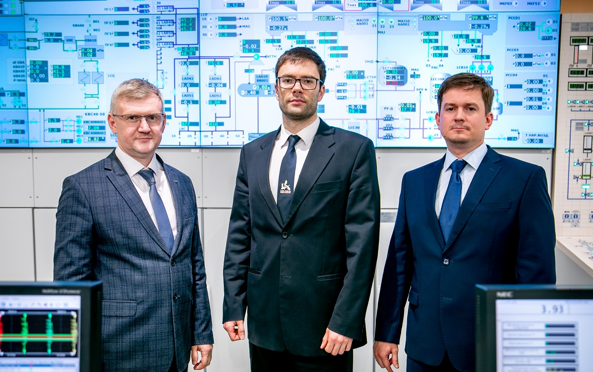 Слева направо: Максим Тучков, Александр Тихонов, Петр Поваров (Фото: пресс-служба НВ АЭС)