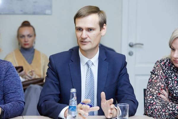 Михаил Пучков, Комитет пообразованию Санкт-Петербурга