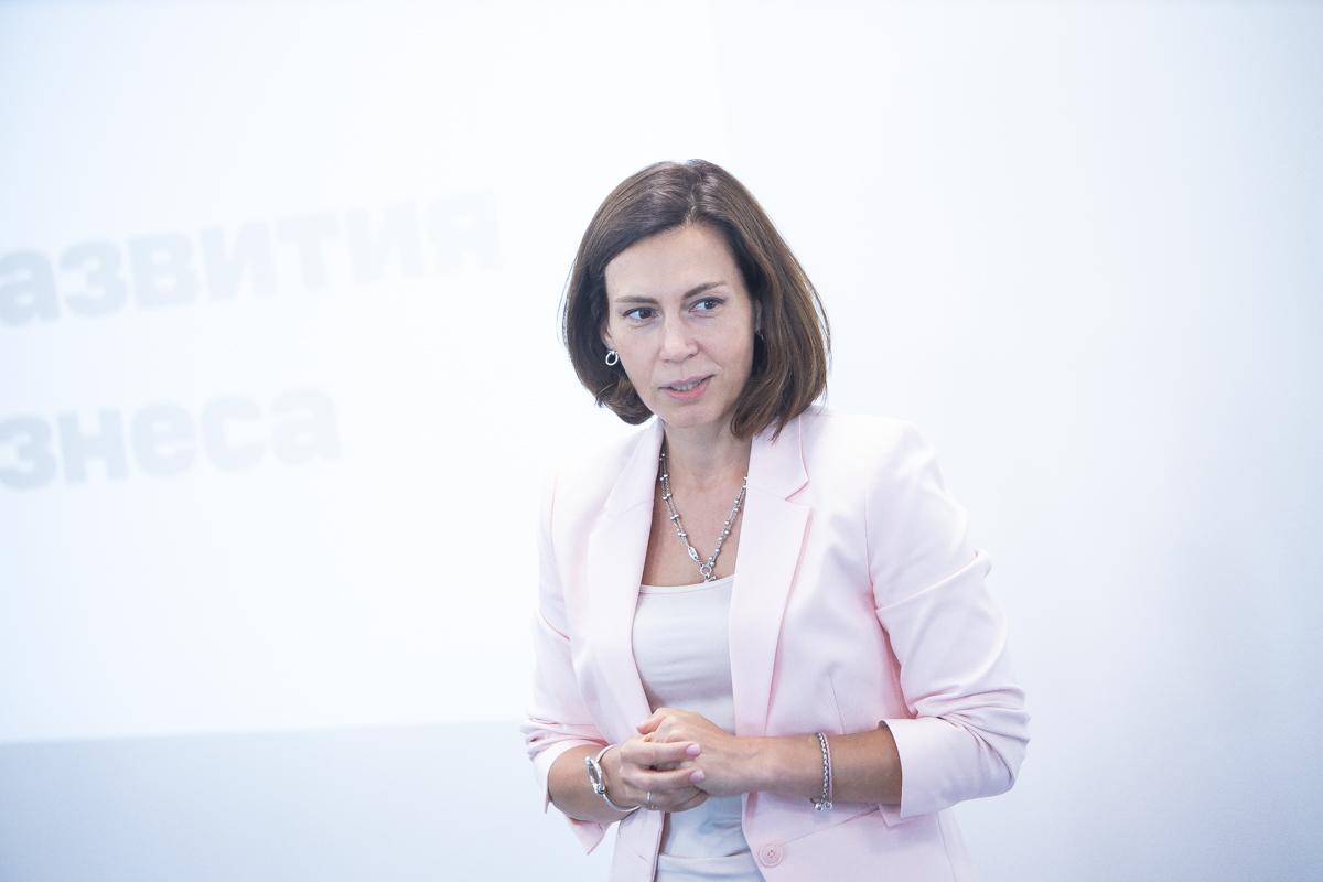 Анна Хлевтова