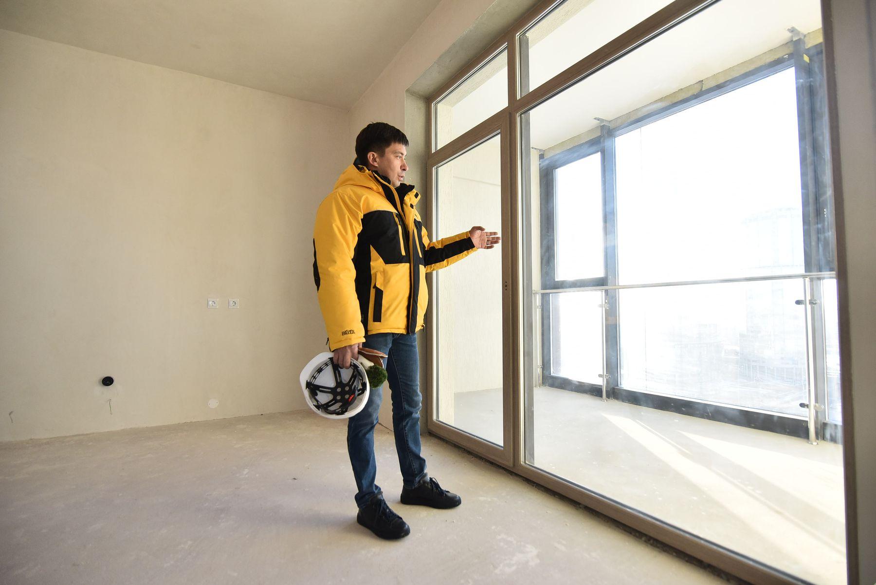 Панорамные окна, которые занимают больше 50% площади стен, специально для «Макаровского» разработали в Германии.