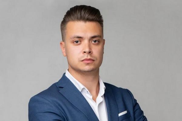 Антон Агапов, сеть апарт-отелей YE'S