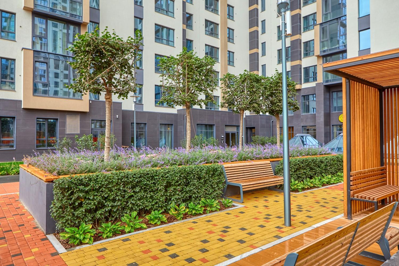Озеленение ЖК «Макаровский квартал», выполненное ТЛР Green Park на кровле двухэтажного подземного паркинга