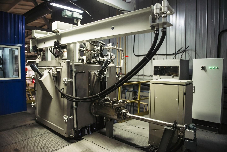 С помощью новой электронно-лучевой установки для рафинирования металлов платиновой группы в вакуумной среде на АО «ЕЗ ОЦМ» получают высококачественные сплавы.