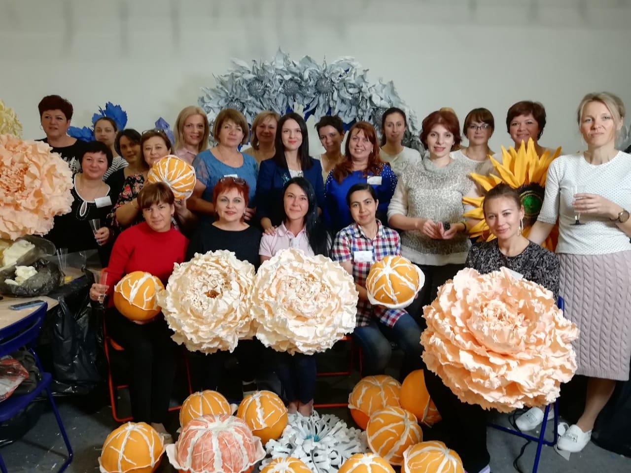 Многие выпускники школы Светланы Копцевой открывают свой семейный бизнес
