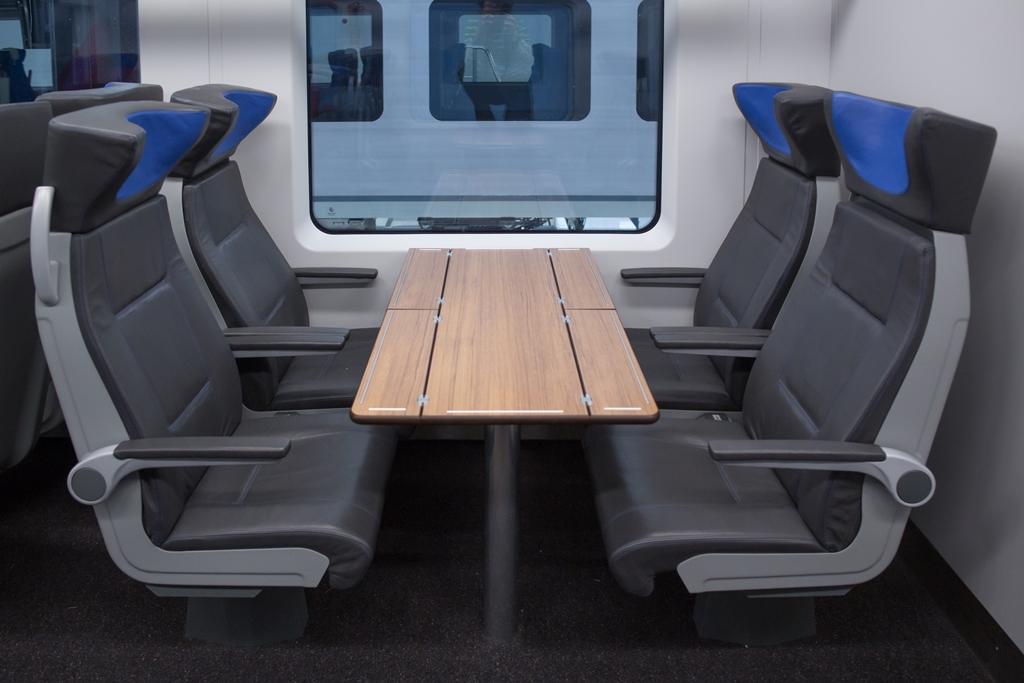 Чтобы поездка была комфортной, поезда оснастили дополнительными санитарными блоками, креслами с регулировкой угла наклона спинки и высоты сиденья.