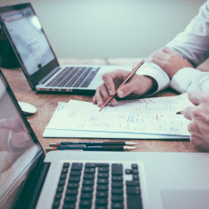Пользователи все чаще стали выражать недовольство ужесточающейся политикой производителя Windows. Фото: pixabay.com