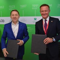 Сергей Мальцев и Роман Старовойт (Фото: пресс-служба Администрации Курской области)