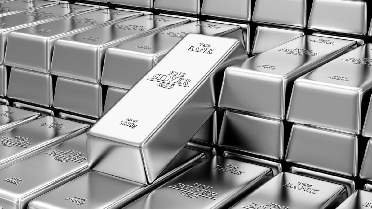От серебра ожидают сильного роста. Драгметалл слишком отстал от золота :: Новости :: РБК Инвестиции