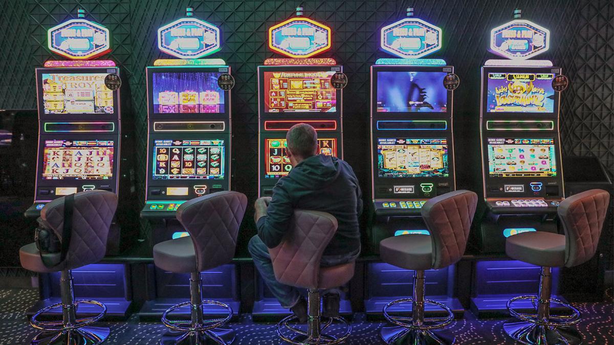 Казино в крыму адреса работа кассиром, оператором в казино и ресторанах, без опыта работы