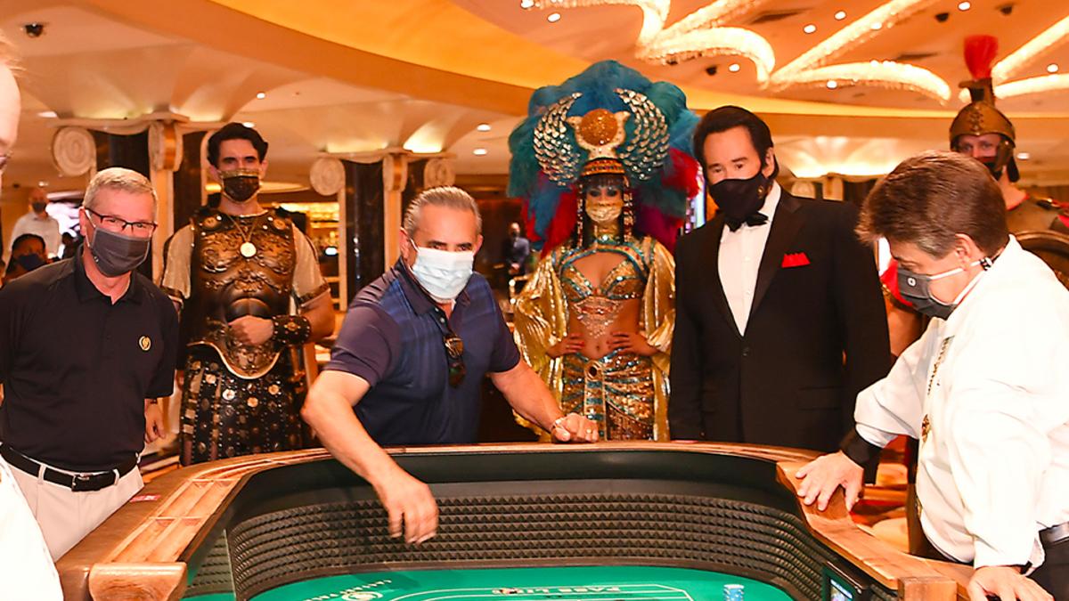 Как нужно одеться в казино лучшие казино интернете