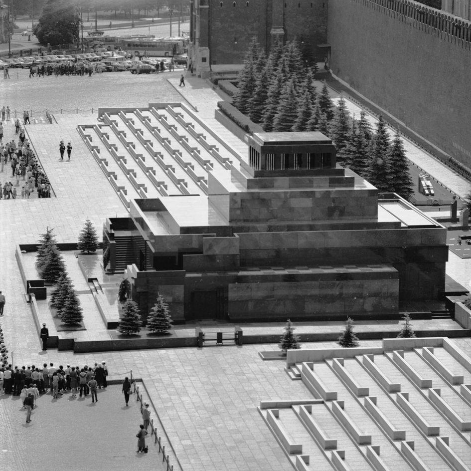 Мавзолей Ленина из гранита в 1969 году