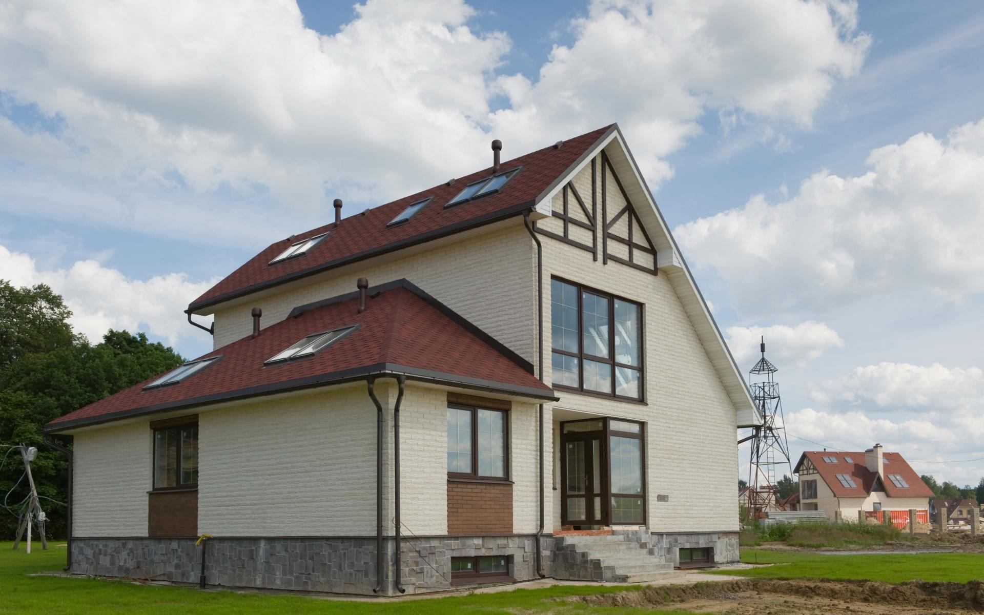 Средняя ставка на аренду загородного дома в России составляет 32,4 тыс. руб.