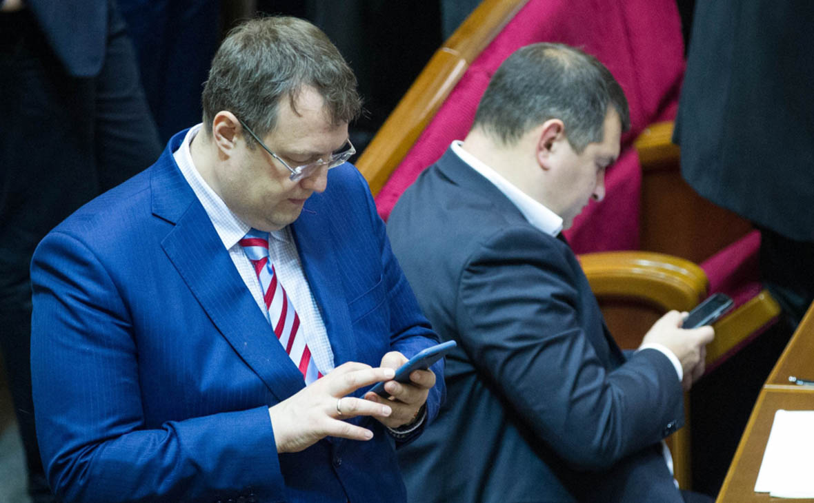 Антон Геращенко(слева)