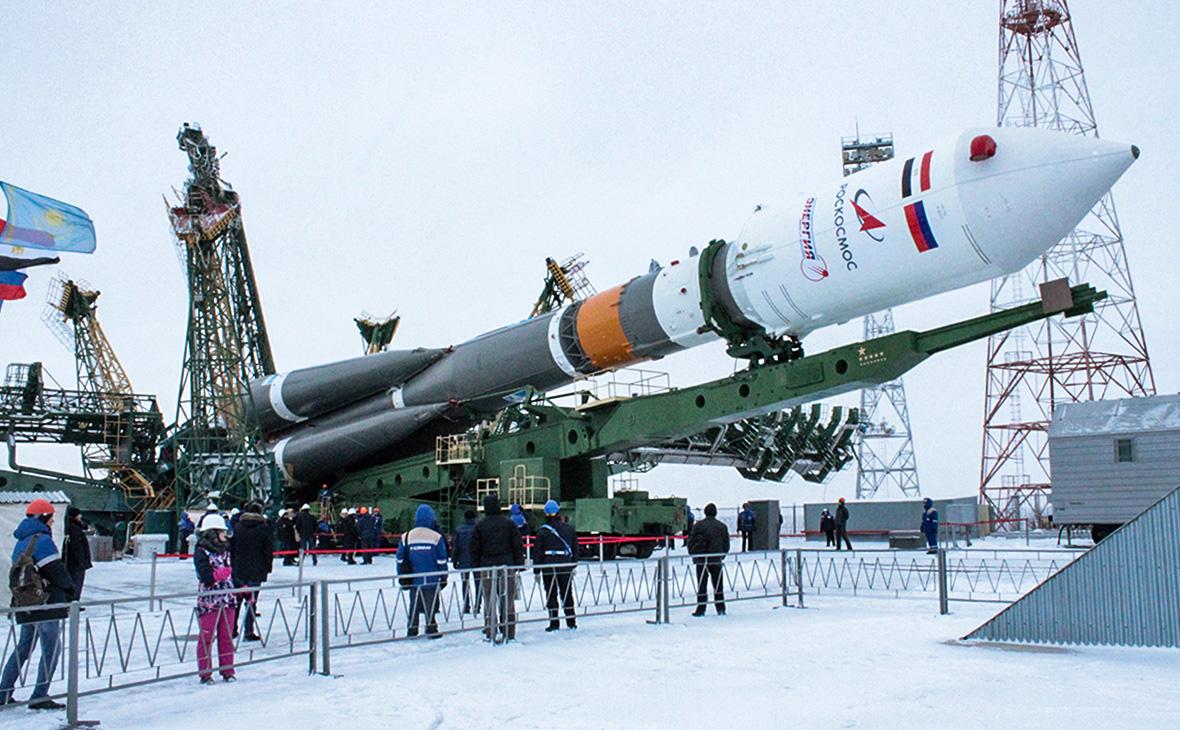 Ракета «Союз-2.1б» с египетским спутником Egyptsat-A на стартовой площадке космодрома Байконур