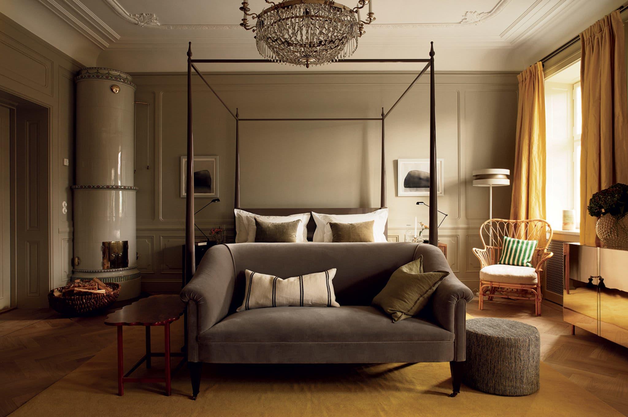 Cовременный скандинавский стиль возвращается к истокам, XVIII веку, когда интерьеры стилизовали под роскошный Версаль