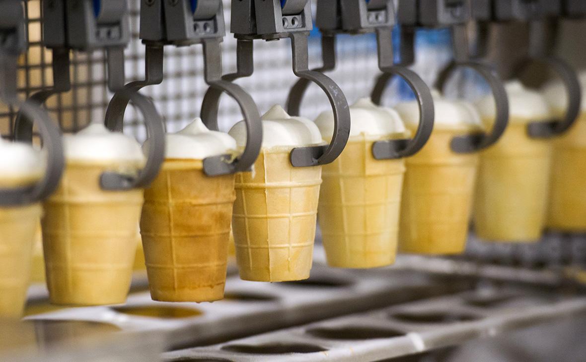 Из-за холодов в России упали продажи мороженого, шашлыка и кондиционеров