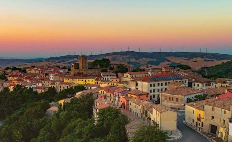 В Бизачче(коммуна в Италии в регионе Кампания) можно стать владельцем дома за €1