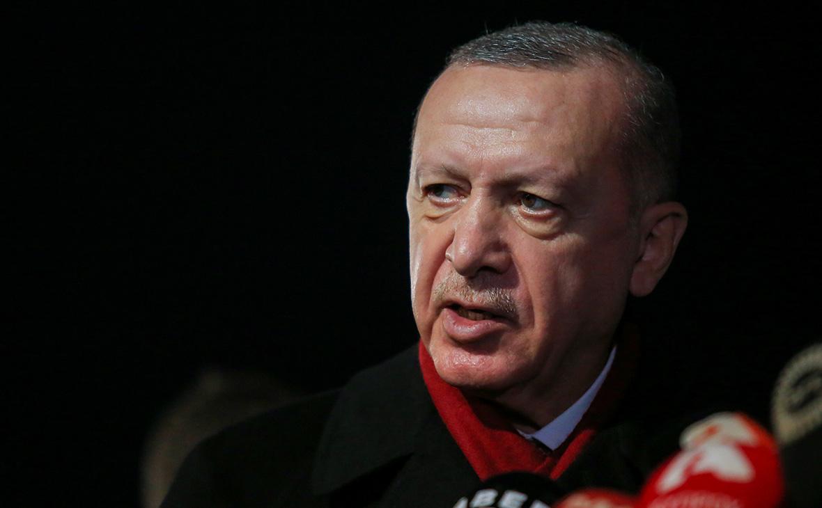 Эрдоган назвал неуважением возможные санкции США за покупку С-400