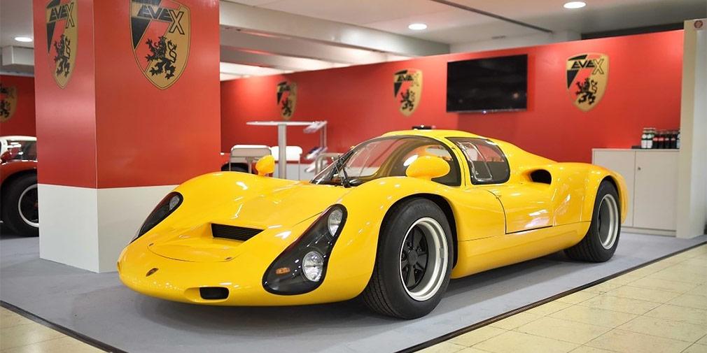 Kreisel Evex 910e  Австрийская Kreisel Electric, создавшая электрический «Гелендваген» для Арнольда Шварценеггера, объединилась с фирмой Eveх — производителем реплик гоночных Porsche 910. Вместе они создали гиперкар Kreisel Evex 910e с двумя электромоторами суммарной отдачей 490 л.с. и запасом хода 350 километров. Благодаря двухступенчатому редутору он разгоняется до 300 км/ч, а первую «сотню» набирает всего за 2,5 секунды. В отличие от оригинальной машины, электрокар может выезжать на дороги общего пользования.