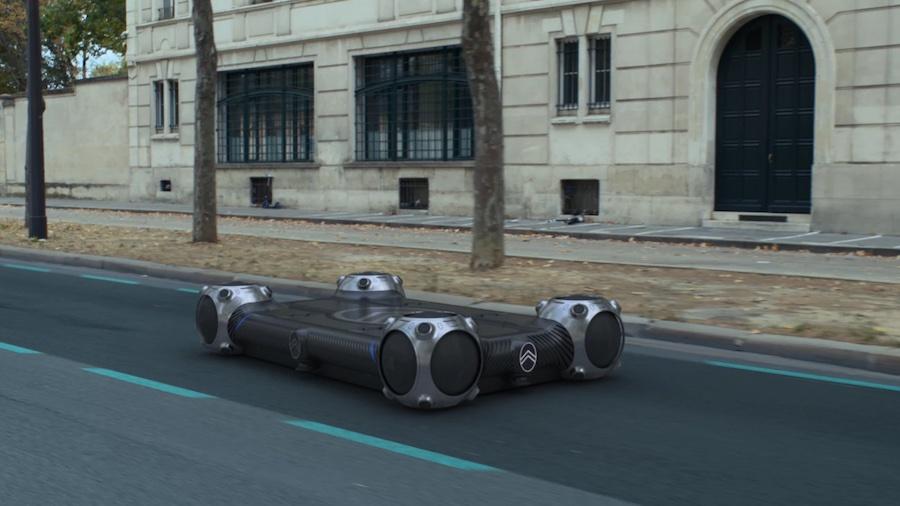Колеса для Citroën Skate были разработаны в сотрудничестве с Goodyear. Они оснащены небольшими электродвигателями и сферическими шинами, позволяя транспортному средству двигаться в любом направлении.