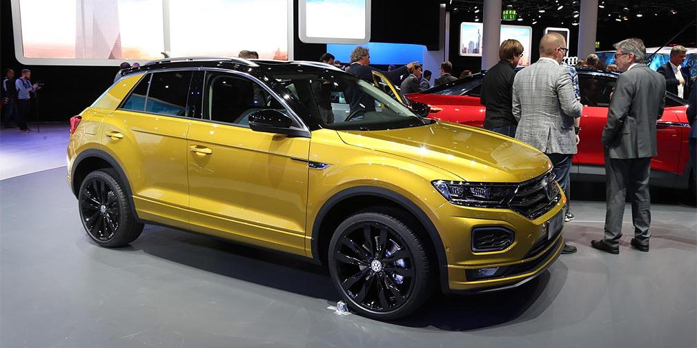 Volkswagen T-Roc  В основу нового кроссовера Volkswagen T-Roc легла платформа MQB. По размерам новинка похожа на Golf, а в модельной линейке будет стоять на ступеньку ниже Tiguan.