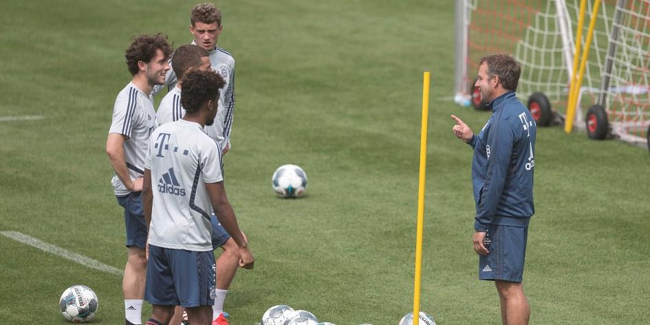 Тренировка футболистов мюнхенской «Баварии»