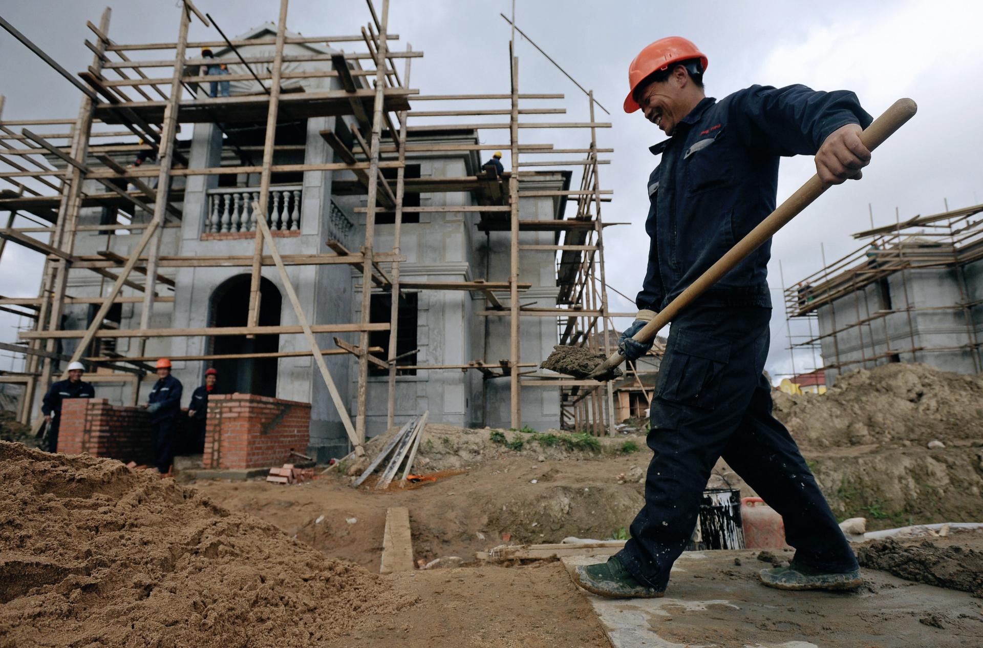 Граждане по-прежнему могут подавать уведомления о планируемом строительстве объекта ИЖС или садового дома