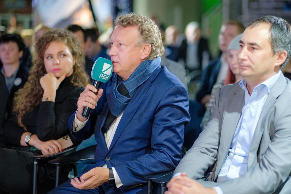 Фото:Александр Бобков («Газпромнефть Восточно-Европейские проекты») и Шариф Галеев (Deloitte)