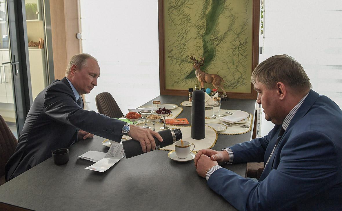 Владимир Путин и Вадим Семенов (слева направо)