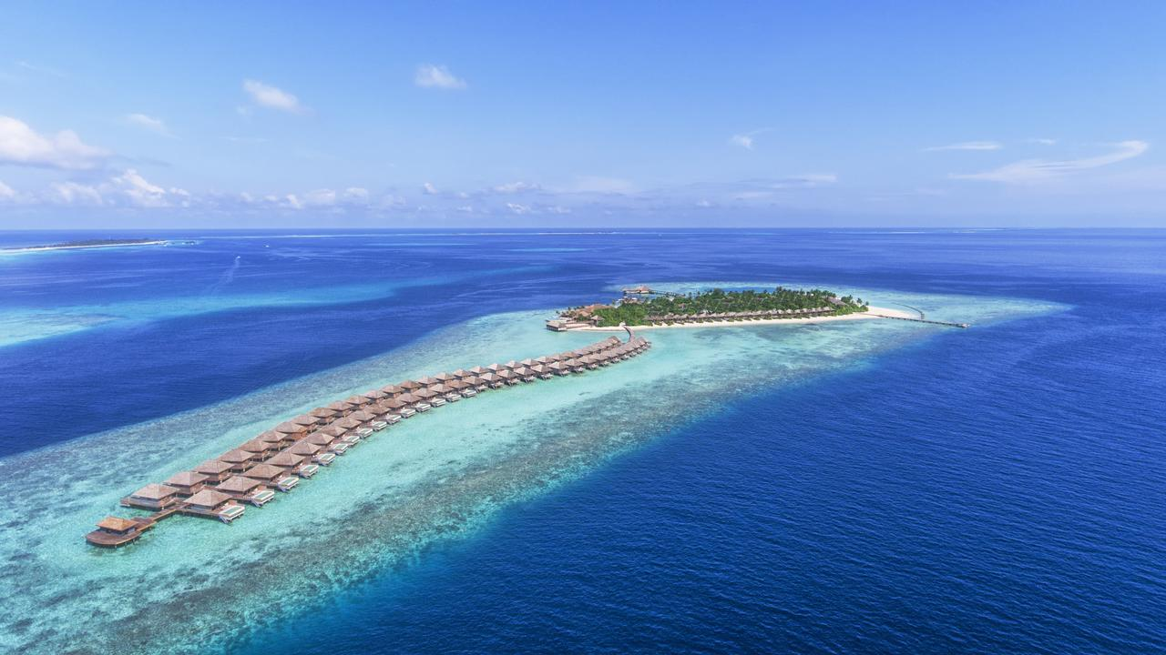 С подводным рестораном. Hurawalhi Island Resort (Мальдивы)