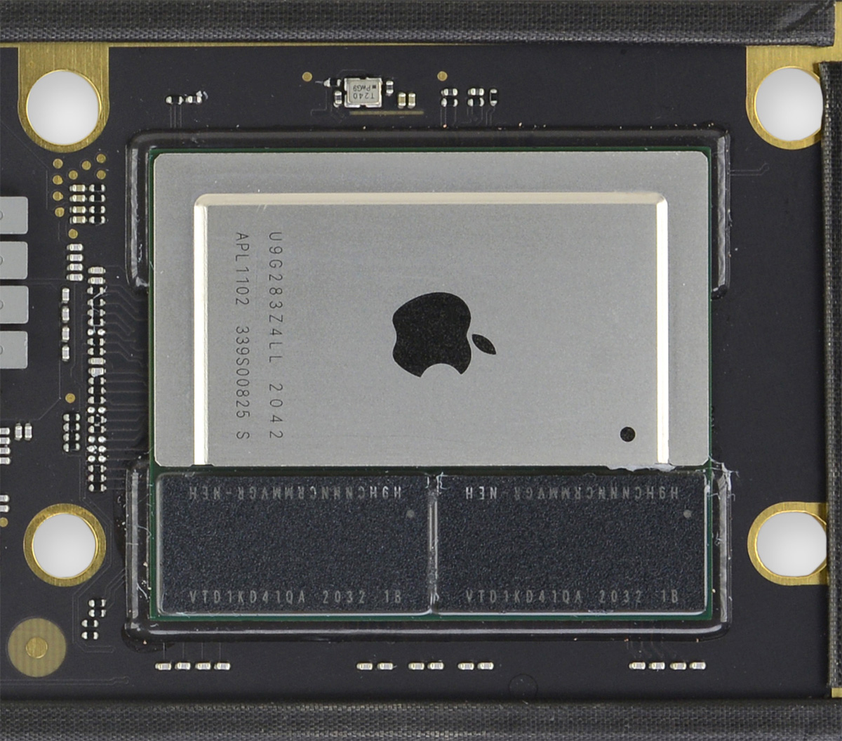 Чип Apple M1 в Macbook Air Late 2020