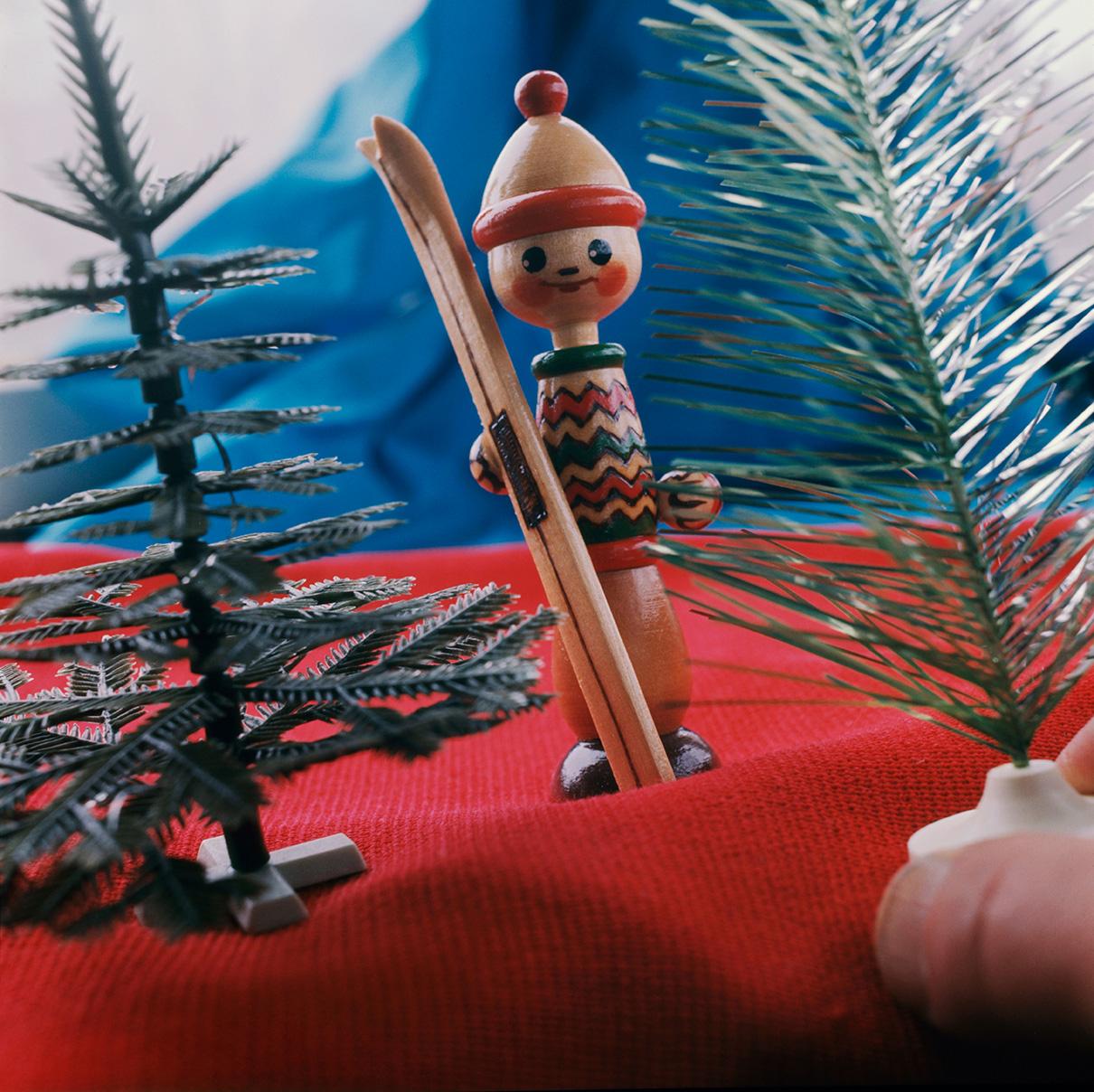 Игрушка «лыжник». 1970-е годы