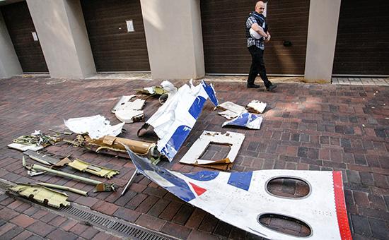 Обломки Boeing 777 малайзийской авиакомпании Malaysia Airlines, потерпевшего катастрофу на востоке Украины 17 июля 2014 года