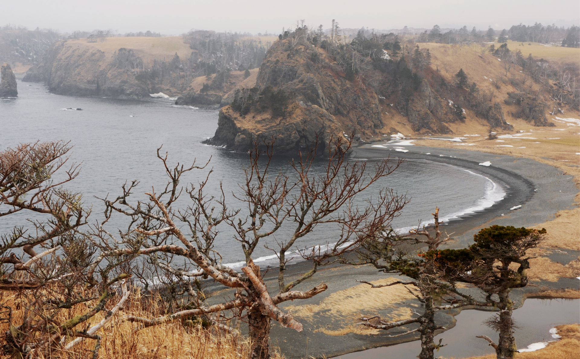 Берег острова Шикотан