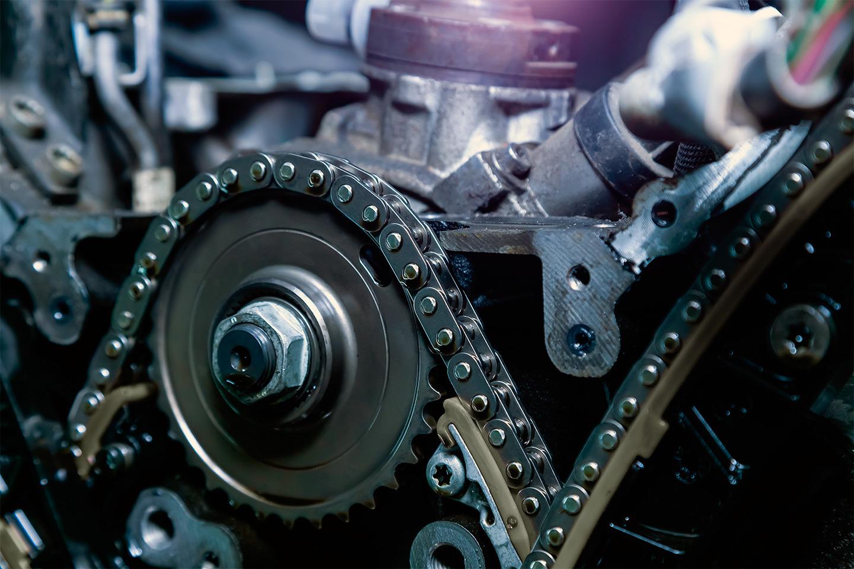 <p>Многие современные газораспределительные механизмы приводятся не от армированного резинового ремня, а от металлической цепи.</p>