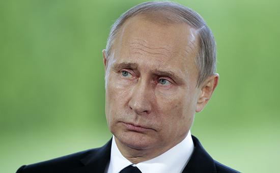 Путин ограничил деятельность коллекторов