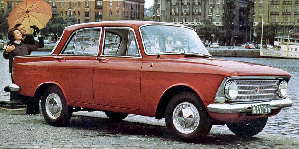 Москвич 408 Первый автомобиль у певца появился в 1974 году. Отец Шуфутинского 12 лет стоял в очереди на «Запорожец», а получил «Москвич-408» цвета морской волны.