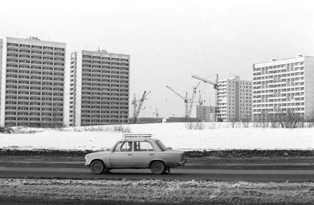 Строительство жилых домов в поселке Капотня для работников Московского нефтеперерабатывающего завода. 1982 год
