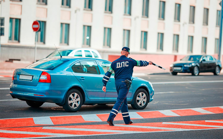 <p>Если инспектор ГИБДД пресек перевозку ребенка без автокресла собственным родителем, то последнему выпишут штраф в 3 тысячи рублей.</p>