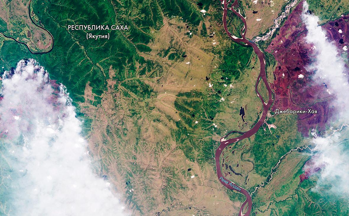 Снимок лесных пожаров в Сибири из космоса