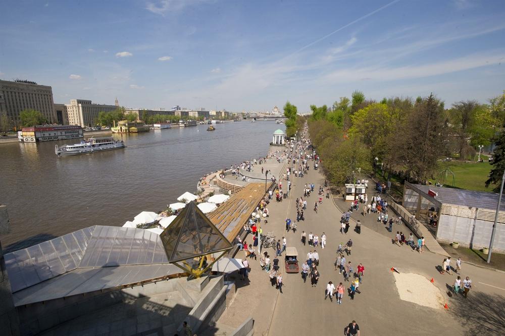 Общественные пространства и берег реки должны дополнять друг друга