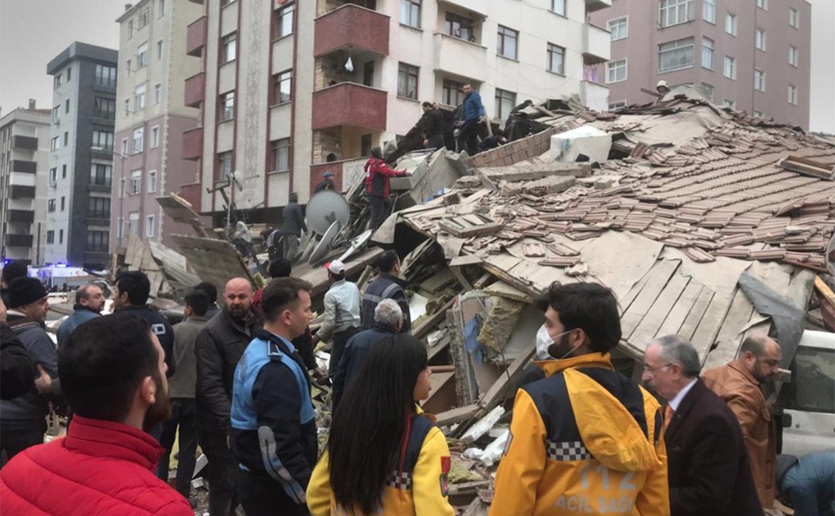ВСтамбуле обрушилось шестиэтажное здание