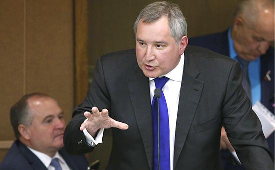 Вице-премьер Дмитрий Рогозин на пленарном заседании Государственной думы РФ