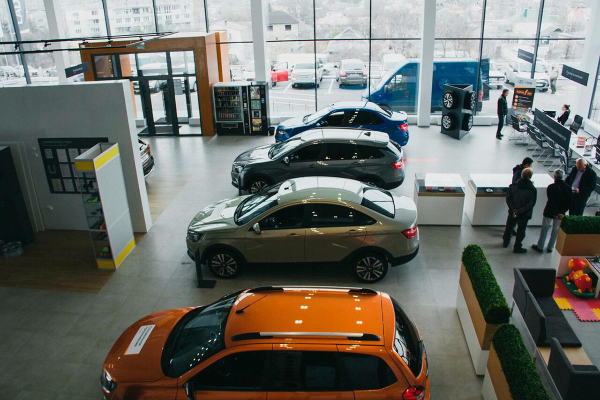 Покупатели жалуются на навязывание им дополнительных опций при покупке автомобилей.