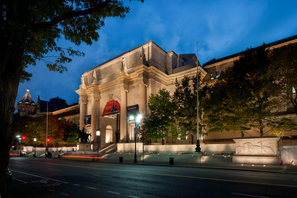 Американский музей естественной истории был отреставрирован ирасширен фирмой Роча в2013 году. Все корпуса музея выполненытак, чтобывписываться вархитектурный дизайн окружающих зданий XIX века постройки