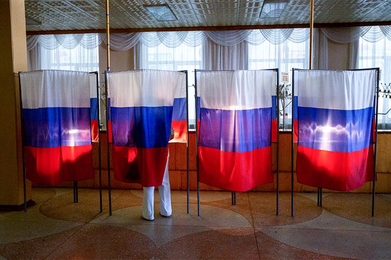 По всей России вединый день голосования 13 сентября прошло более 10тыс. выборов разных уровней. В 21 регионе состоялись прямые выборы губернаторов, еще в11 регионах избрали депутатов региональных парламентов
