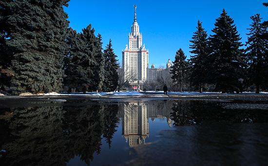Главное здание Московского государственного университета наВоробьевых горах