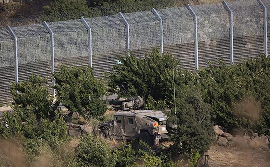 Израильские военнослужащие вблизиГоланских высот