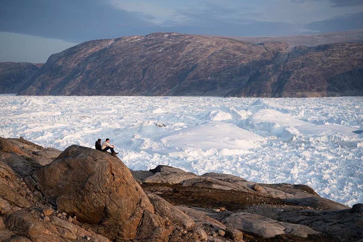 Американские ученые наблюдают за тающим ледником Хельхайм