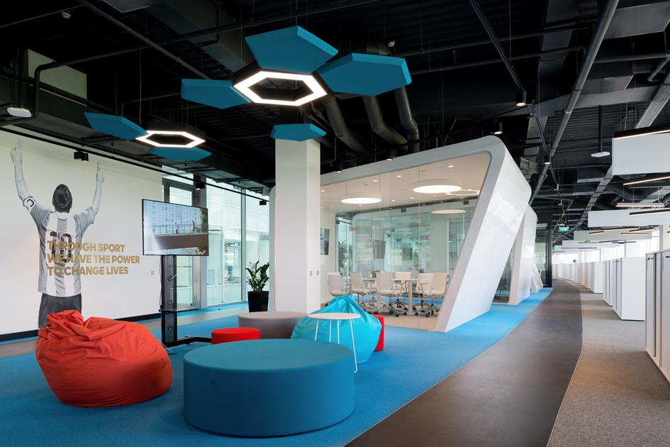 Номинация «Бренд иимидж» Офис компании аdidas Group / архитектурное бюро ABD architects